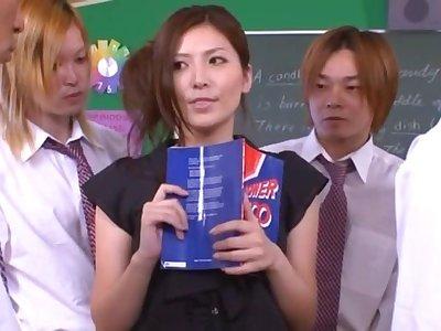 Japanese tutor Yuna Shiina drops on her knees to blow + bukkake