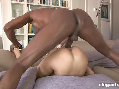 Sexy ass blonde shares massive 69 before procurement blacked