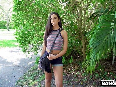 Bubble butt brunette Angelica Cruz enjoys having sex with a stranger