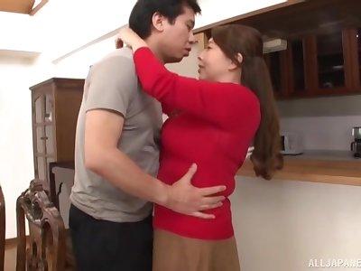 Upfront boobs Asian MILF Kazama Yumi gets fucked on the floor