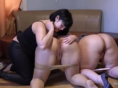 Mediocre lesbian triad - broad in the beam ass brunette moms