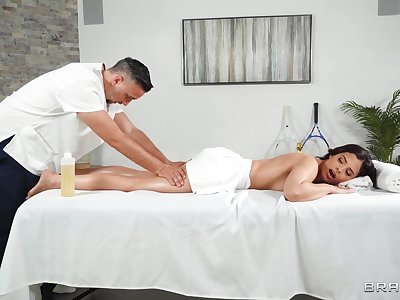 Massage makes hot married unreserved wanna fuck