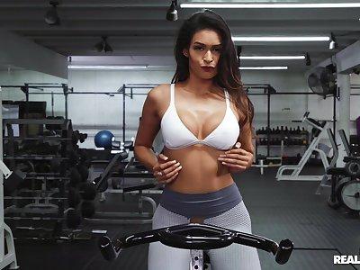 Lucky toff fucking amazingly hot babe Katana Kombat in the gym