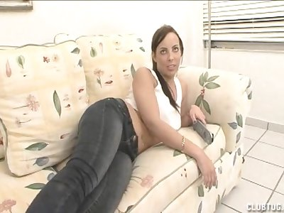 Angry girlfriend does not want to suck his dick but strength of character give a handjob